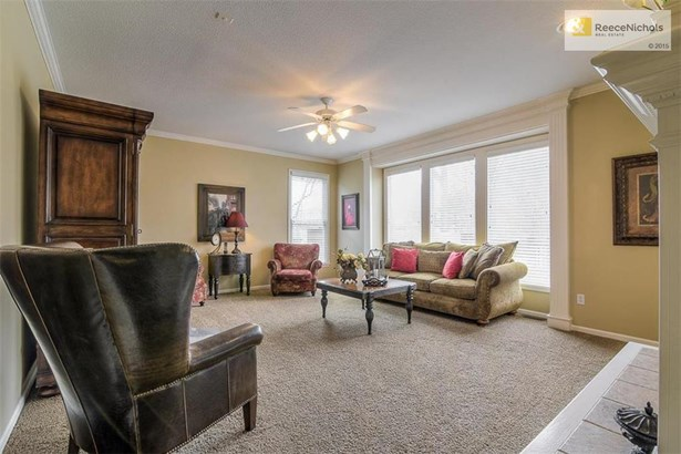 Tons of natural light in Great Room (photo 4)