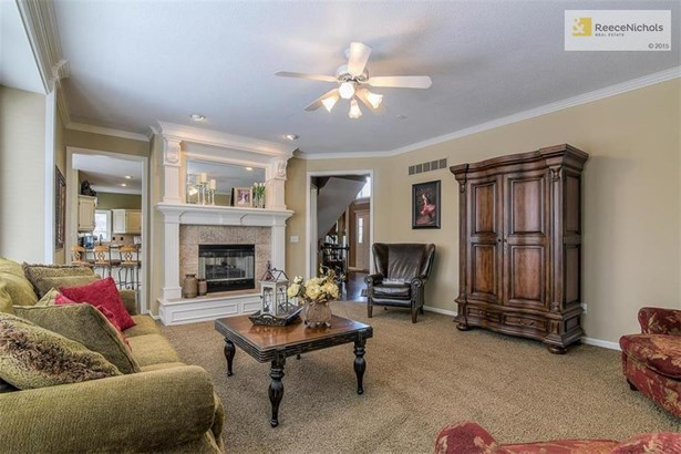 Large Great Room opens to Kitchen and Dining Room (photo 5)