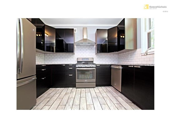 A kitchen you will love to cook in! All redone! (photo 5)