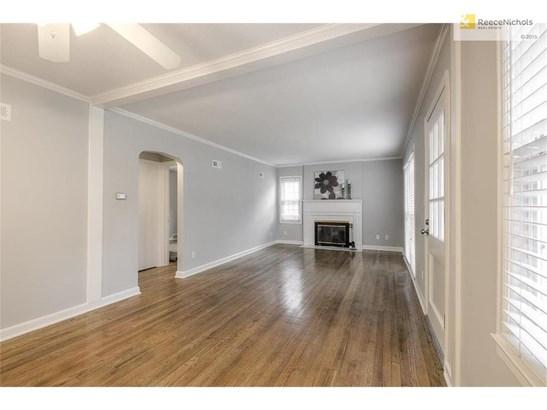 Hardwood floors in living/dining room (photo 3)