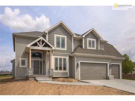 Welcome Home to this spacious 2 story home (photo 1)