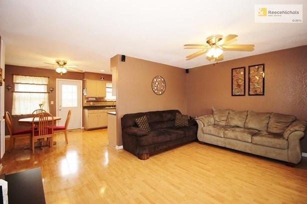 305 Ne 4th Terrace, Oak Grove, MO - USA (photo 4)