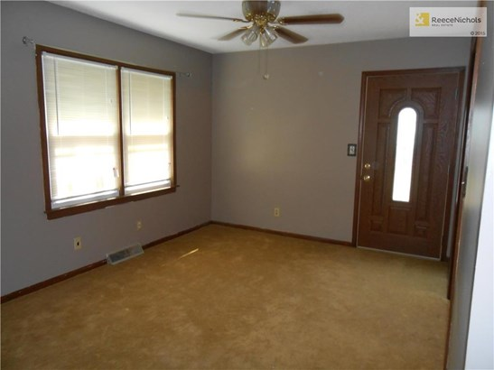 DINING ROOM OPENS TO THE RIGHT TO KITCHEN.  BEVELED WINDOWED, PREMIUM GRADE BACK DOOR OPENS TO THE DECK. (photo 3)