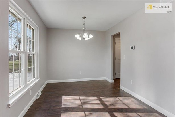 The Dining Room is large and provides lots of light! (photo 4)