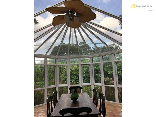 AMAZING HIGH END CONSERVATORY (photo 5)