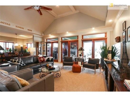 9007 Pine Street, Lenexa, KS - USA (photo 3)