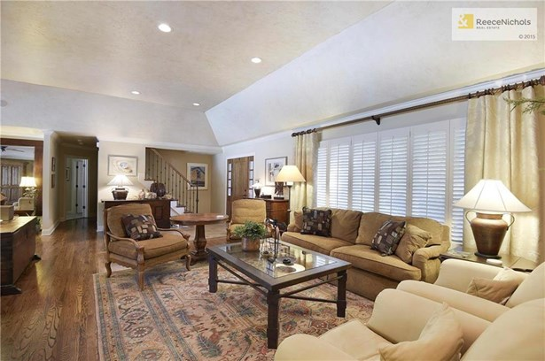 The highly desired open floor plan has beautiful views of the pool. (photo 5)