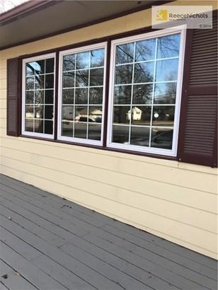 Beautiful Newer Windows (photo 2)