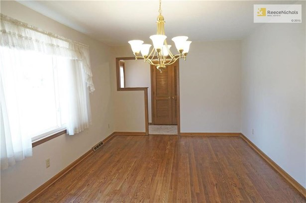 DINING ROOM TO FRONT ENTRY (photo 4)