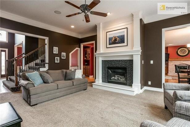 7566 Legler Street, Shawnee, KS - USA (photo 3)