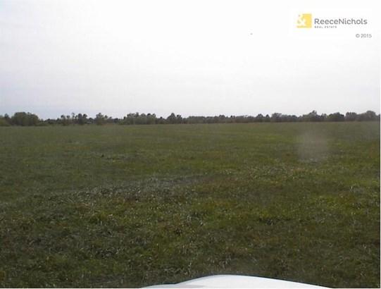 Gently sloping land (photo 3)