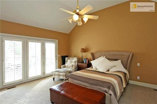First Floor master bedroom. (photo 5)