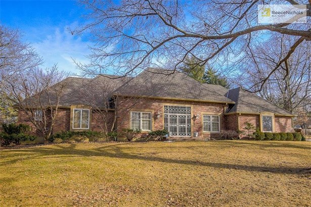 Beautiful one and a half story in desirable Foxcroft subdivision. (photo 1)