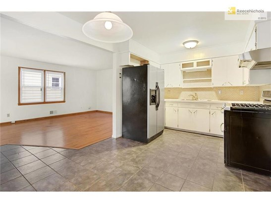 Stainless steel appliances and gas range (photo 5)