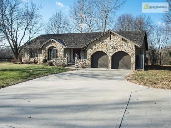 House on stunning 10 acres (photo 2)