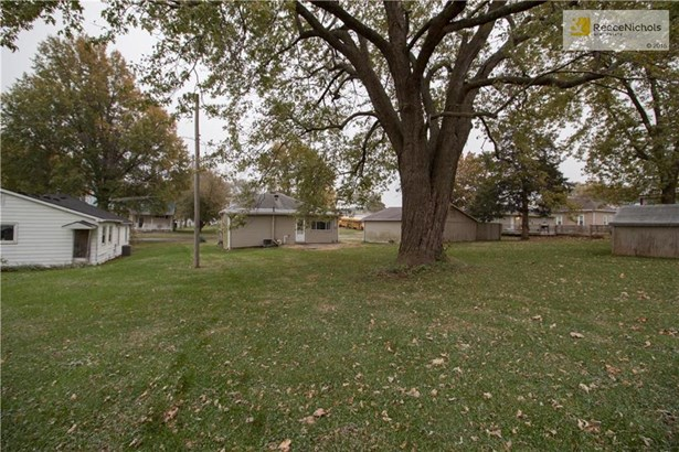 404 Park Street, Lathrop, MO - USA (photo 2)