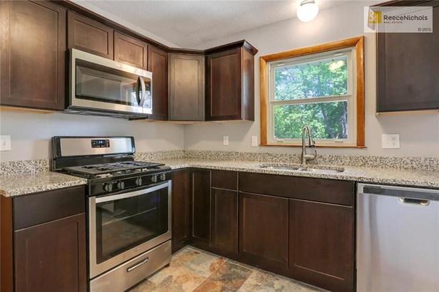 7413 Hedges Avenue, Raytown, MO - USA (photo 2)