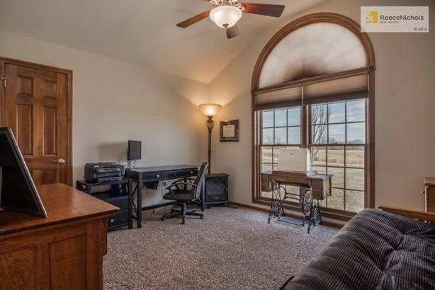 Large Main Level bedroom or could be office with large closet. (photo 5)
