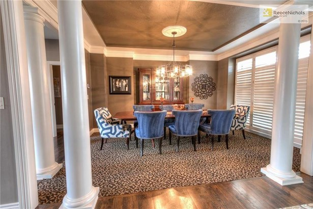 8116 Clearwater Drive, Parkville, MO - USA (photo 2)