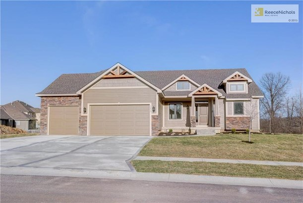 1413 Nw Red Oak Court, Grain Valley, MO - USA (photo 1)