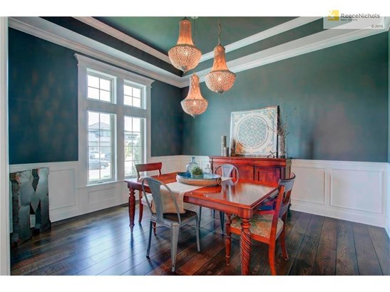 Holiday meals will be a treat in this lovely dining room. (photo 3)