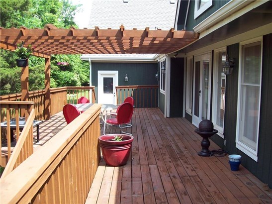 Large deck from the Great Room (photo 5)