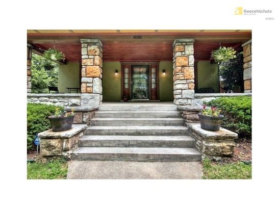 Wonderful Front Porch (photo 2)