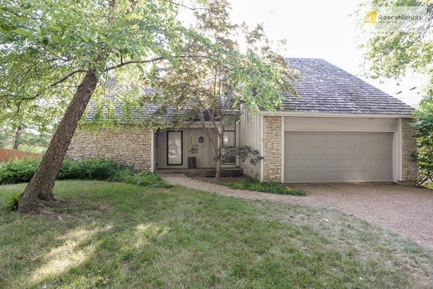 8002 Haskins Street, Lenexa, KS - USA (photo 1)