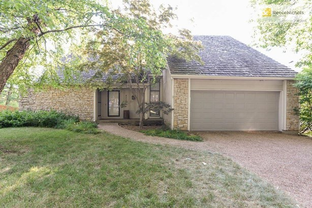 8002 Haskins Street, Lenexa, KS - USA (photo 3)