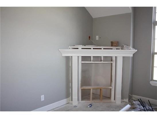 Corner fireplace (photo 4)