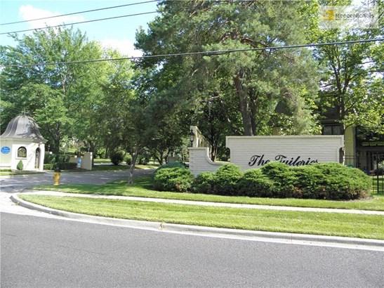 10734 Glenwood Street F       , Overland Park, KS - USA (photo 2)