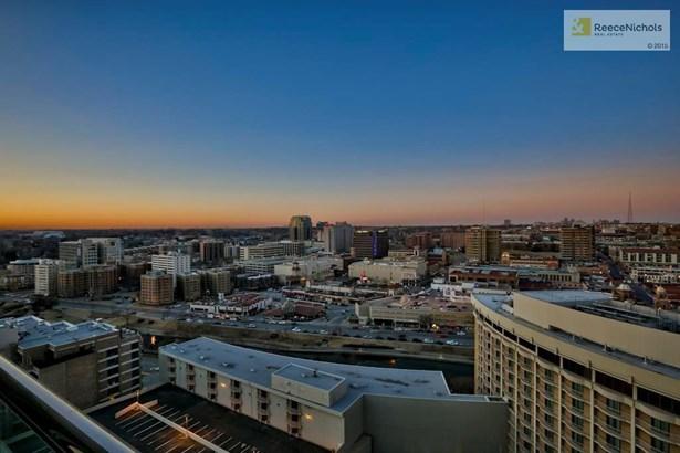 400 W 49th Terrace 2136    , Kansas City, MO - USA (photo 1)