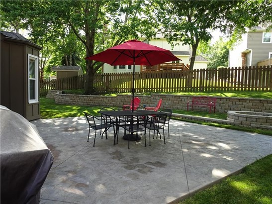 Backyard, Ready for entertaining w/firepit (photo 2)