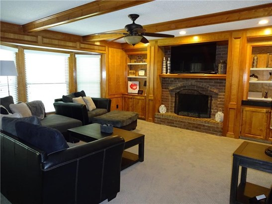 Family Room w/gas fireplace (photo 3)