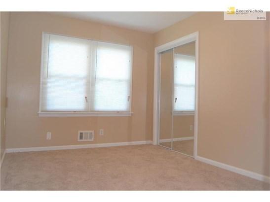 13515 Cypress Avenue, Grandview, MO - USA (photo 5)