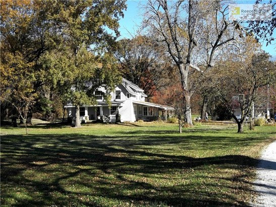 13 peaceful acres with mature trees . (photo 4)