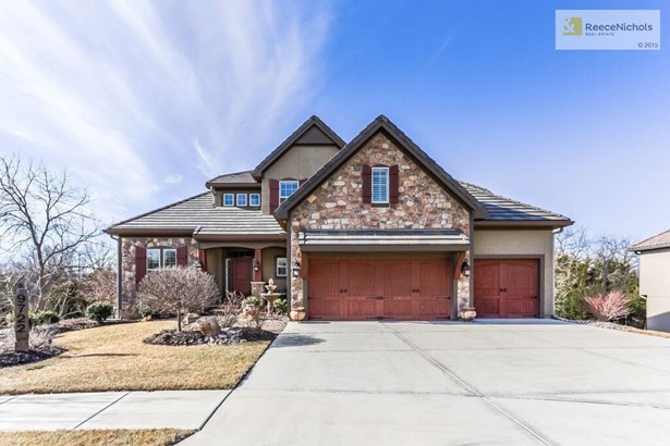 gorgeous curb appeal welcomes you home! (photo 1)