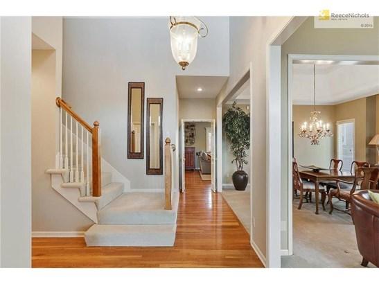 Enter into elegant formal living & dining area (photo 4)