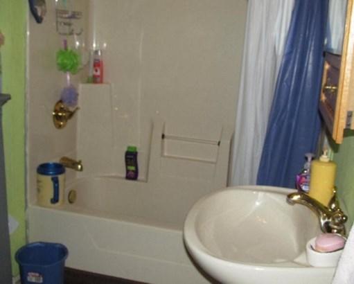 bath (photo 3)