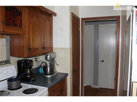 Kitchen pantry area. (photo 4)