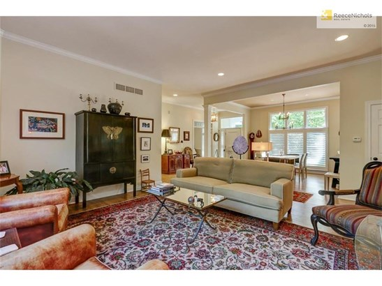Great Room looking formal dining room and foyer (photo 4)