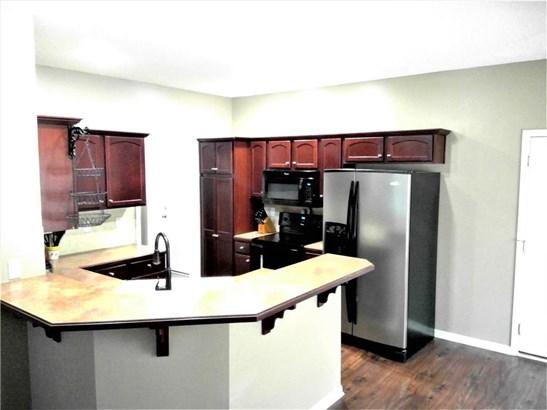 5040 Nw Flintridge Drive, Riverside, MO - USA (photo 4)