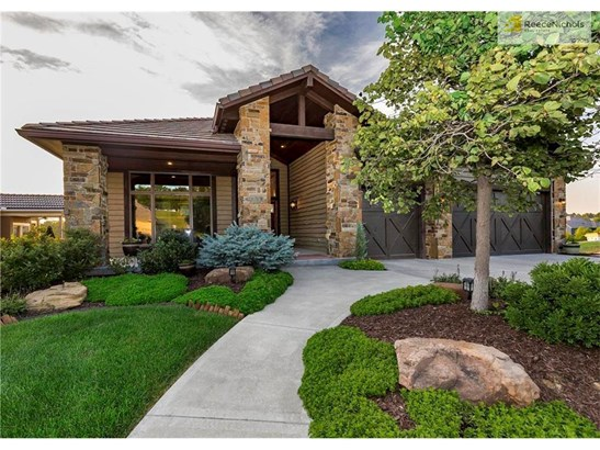 9202 Cottonwood Canyon Drive, Lenexa, KS - USA (photo 1)