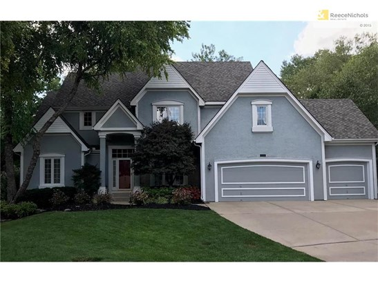 Gorgeous! and 3 Garages and on a cul de sac! (photo 1)