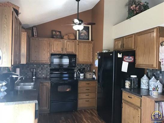2632 Sw Ancaster Rd , Topeka, KS - USA (photo 4)