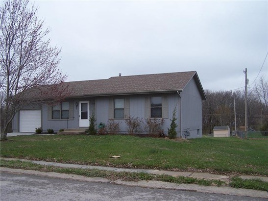 2002 Stacy Road, Harrisonville, MO - USA (photo 1)
