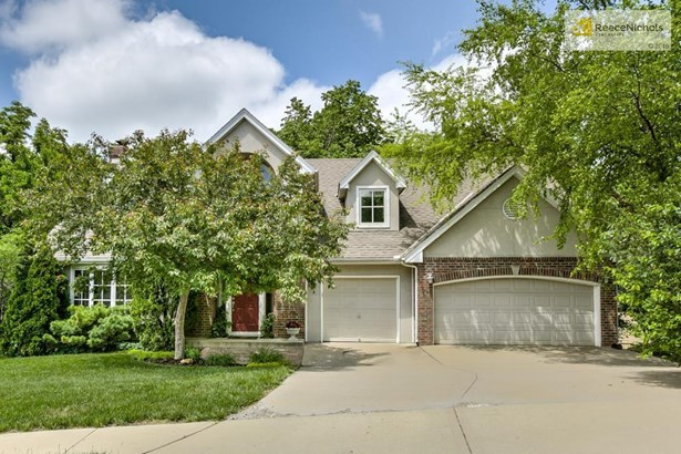8408 Pflumm Circle, Lenexa, KS - USA (photo 1)