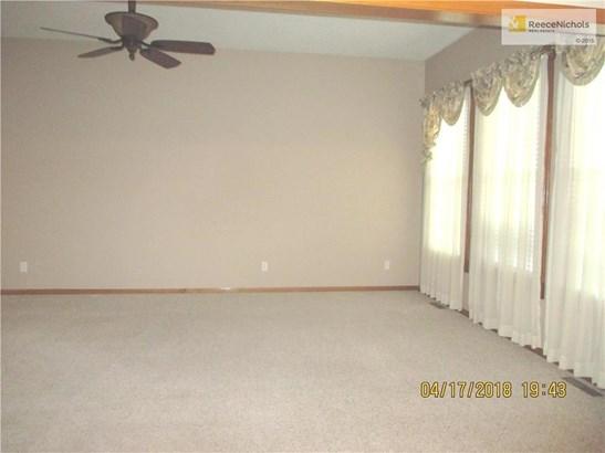1209 Nw Honeylocust Court, Grain Valley, MO - USA (photo 3)