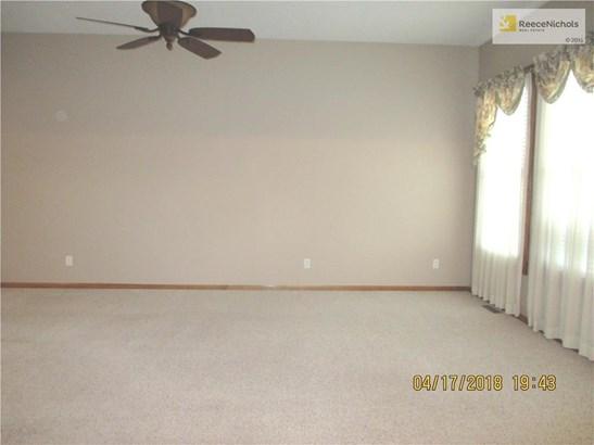 1209 Nw Honeylocust Court, Grain Valley, MO - USA (photo 4)