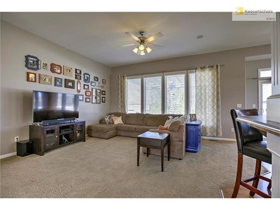 2107 Nw Rosewood Drive, Grain Valley, MO - USA (photo 3)